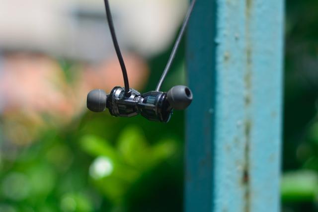超低延迟,战场先知 黑鲨蓝牙游戏耳机2评测