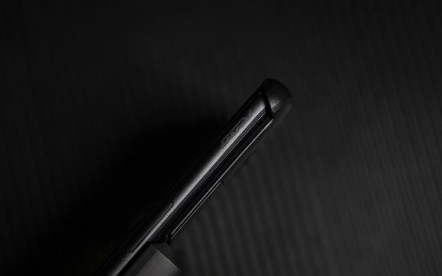 ROG游戏手机3图赏 270hz触控采样率屏幕 彰显电竞级游戏体验